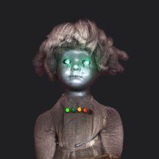 static trigger doll eyes